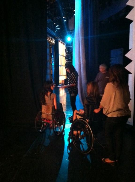 App16_ellen_backstage